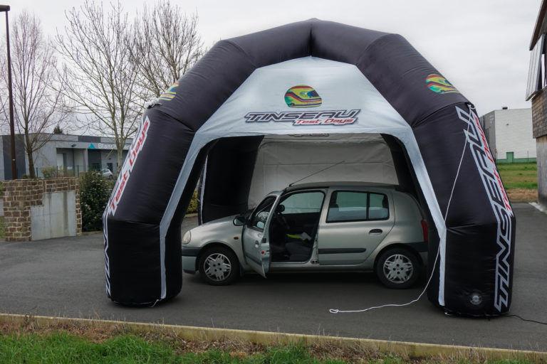 tente gonflable publicitaire Tinseau voiture