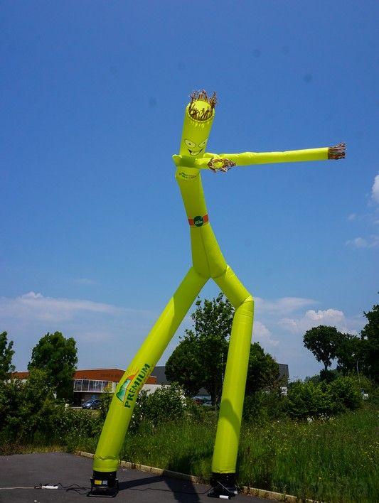 skydancer de 7m avec 2 bras et 2 jambes de couleur jaune