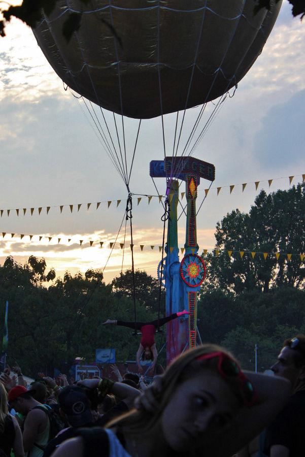 ballon-helium-geant-trapeziste-inoxpark-2014