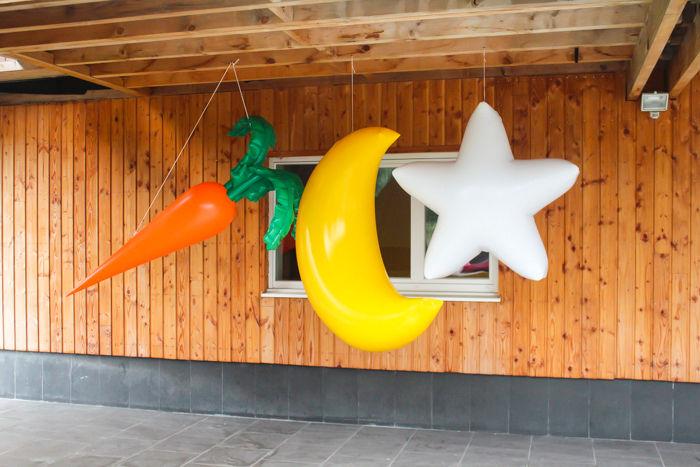 étoile , carotte et lune géante gonflable