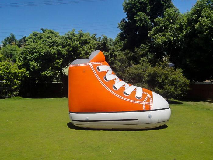 chaussure gonflable géante publicitaire