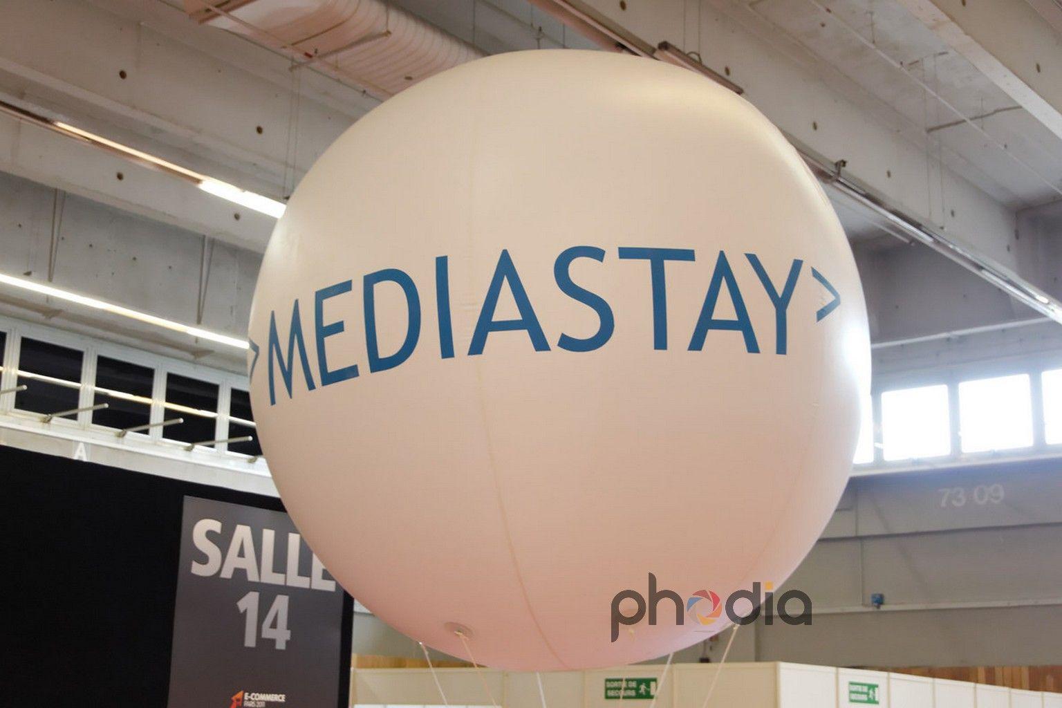 Gonflable publicitaire Mediastay au salon e-commerce 2011