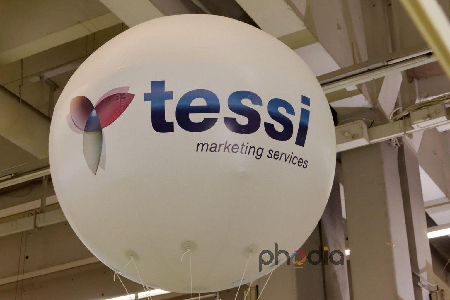 Gonflable publicitaire Tessi au salon e-commerce 2011