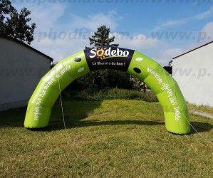 Sodebo a aussi son arche gonflable publicitaire !