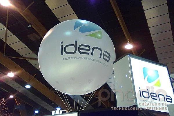 Ballons publicitaires au Space: Idena
