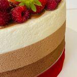 "Thumbnail №3   Торт ""Три шоколада з ягодами"""