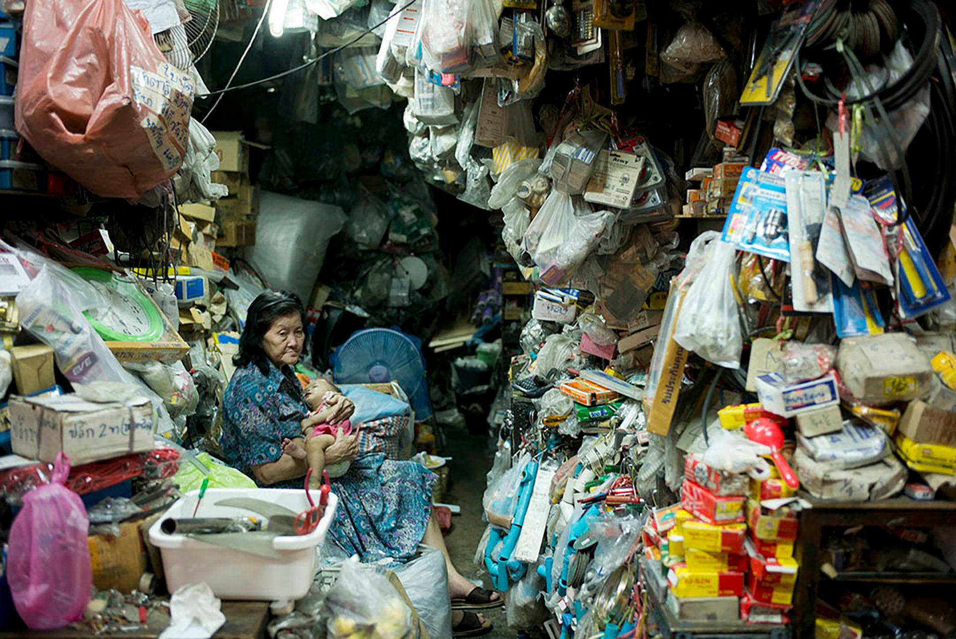 Woman in Shop with Child, Pratunamwith Child Pratunam