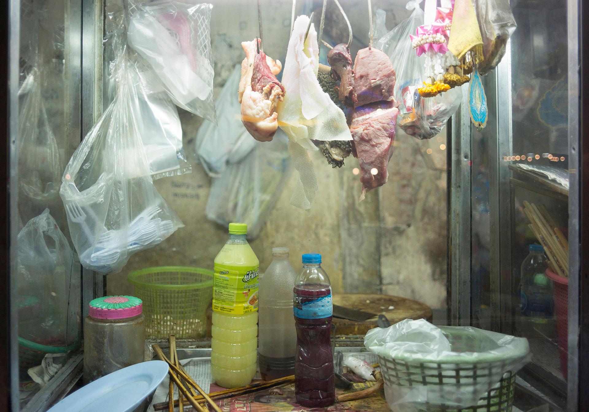 Hanging Meat, Hua Lamphong Station