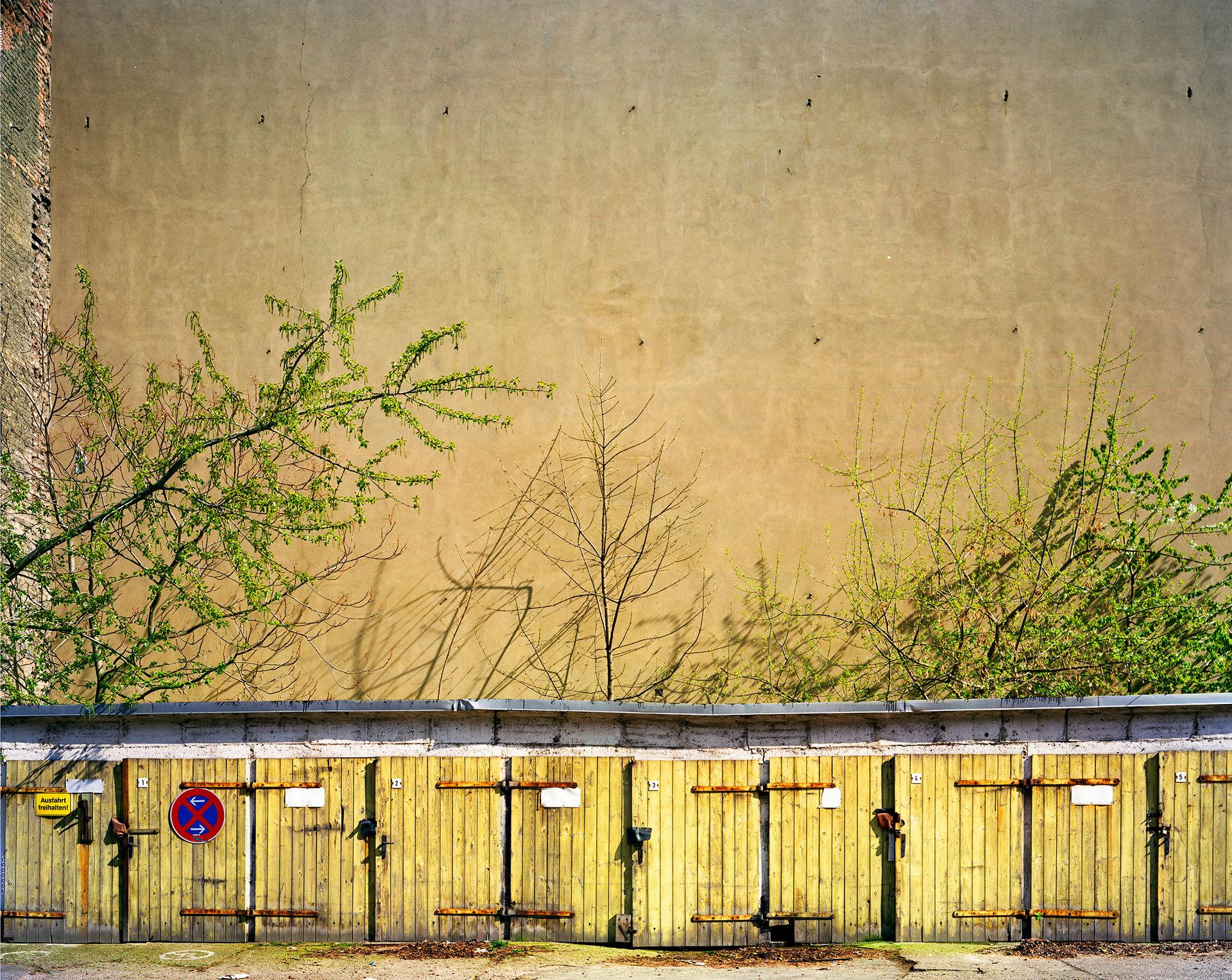 Yellow Garages Kastanienstr
