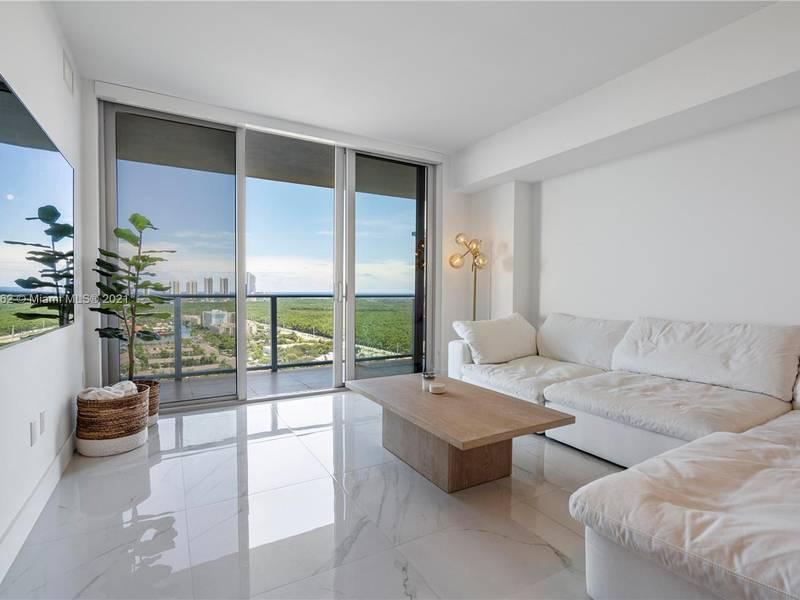 Condo for Sale in North Miami Beach, FL