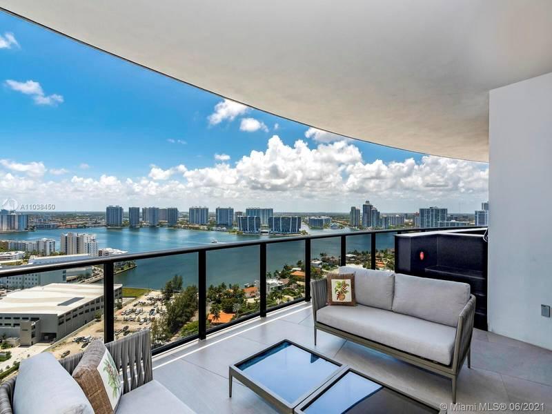 Apartamento en Alquiler en Sunny Isles Beach, FL