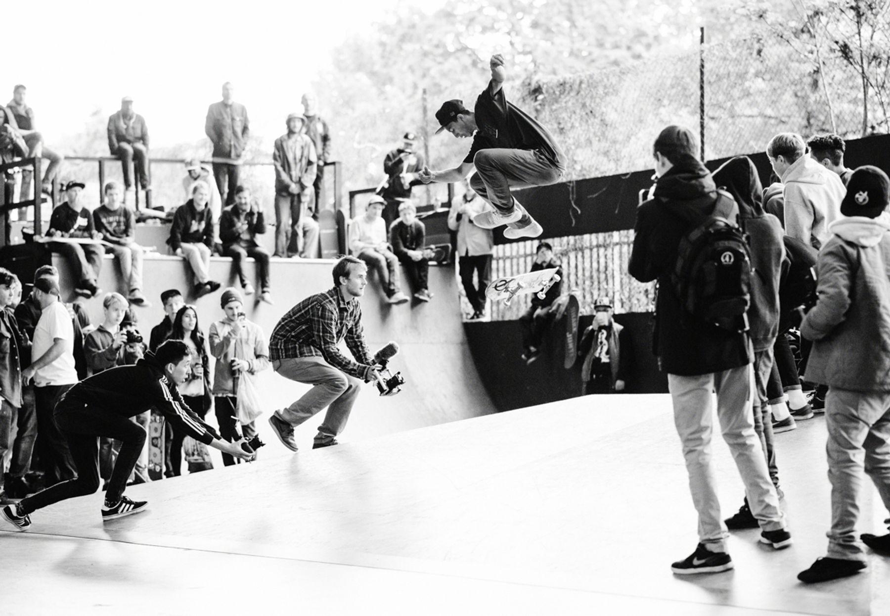 _IHC2612e-Nick-Tucker-Nollie-Double-Heelflip-Primitive-Skateboards-Demo-BaySixty6-London-May-2015-Photographer-Maksim-Kalanep
