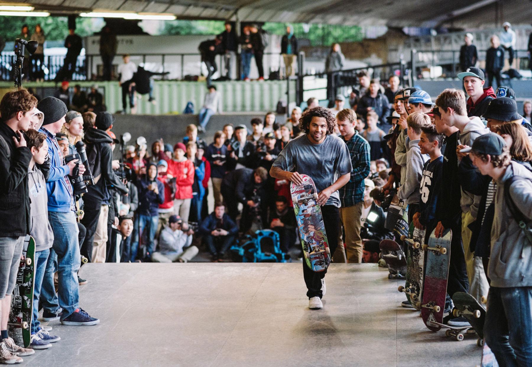 _IHC2688e-Paul-Rodriguez-Primitive-Skateboards-Demo-BaySixty6-London-May-2015-Photographer-Maksim-Kalanep