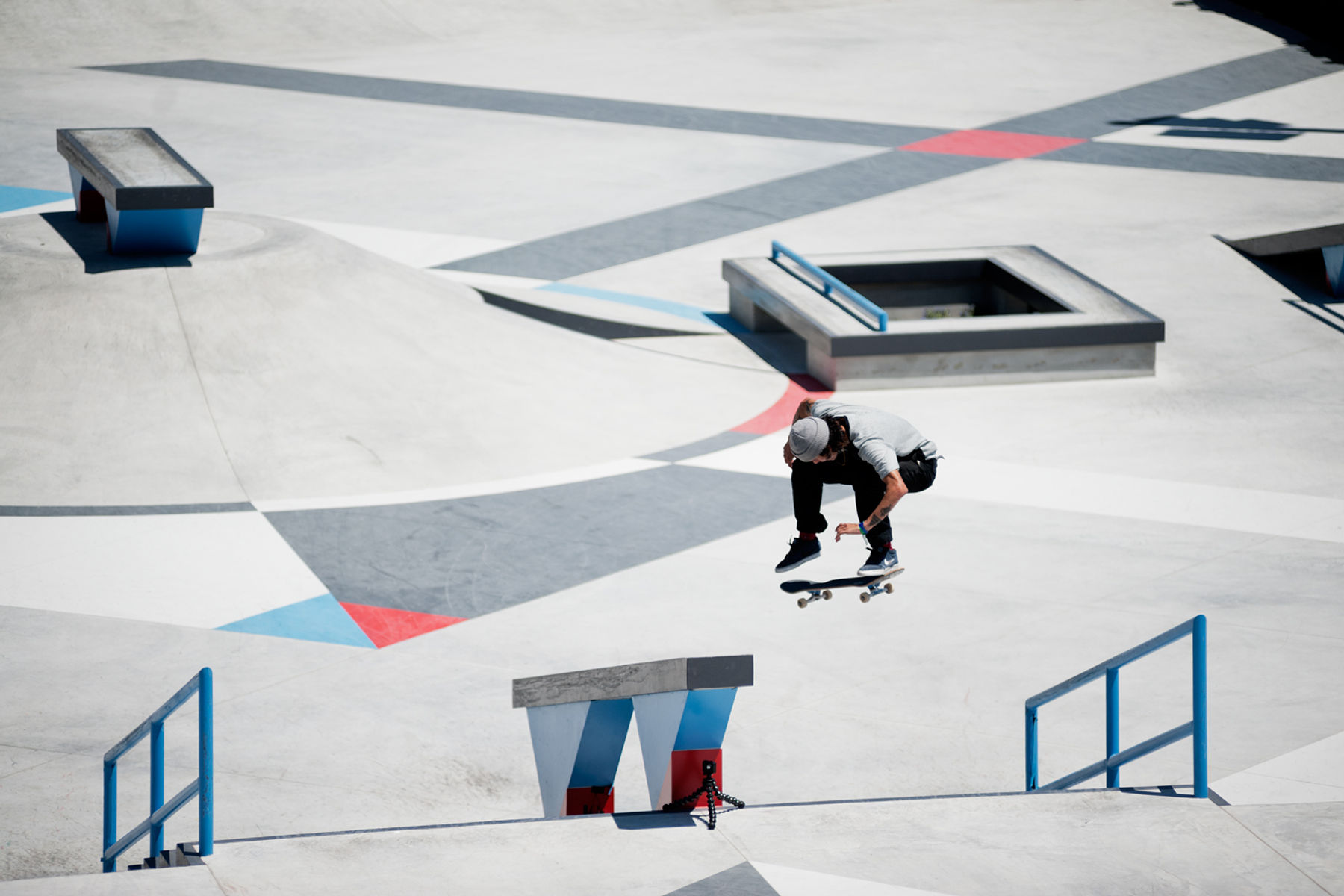 TREVOR_COLDEN_SWITCH_HEELFLIP_GREY_HENRY_KINGSFORD