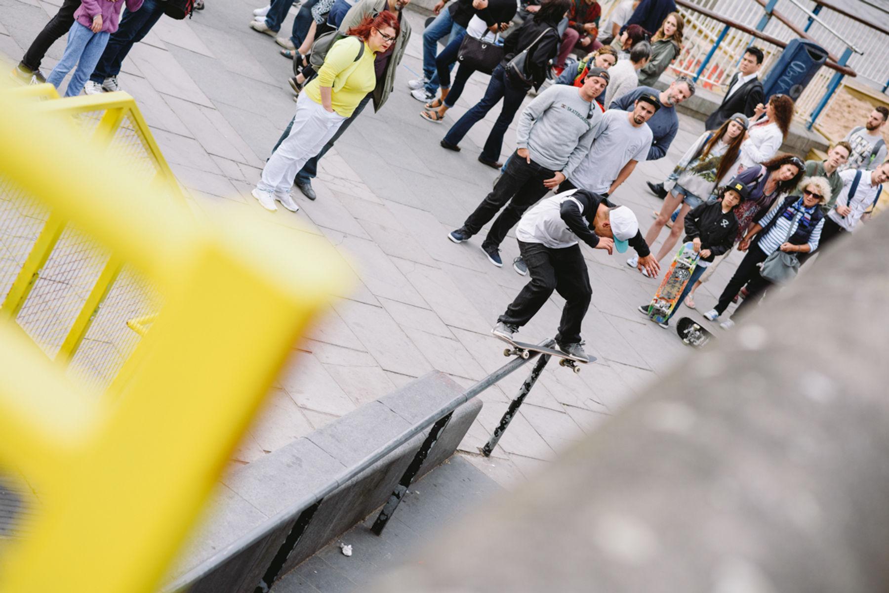 _IHC3210e-Antony-Lopez-Switch-Fs-Feeble-Dave-Snaddon-DC-Special-Delivery-Skate-Tour-BTS-Southbank-London-May-2015-Photographer-Maksim-Kalanep