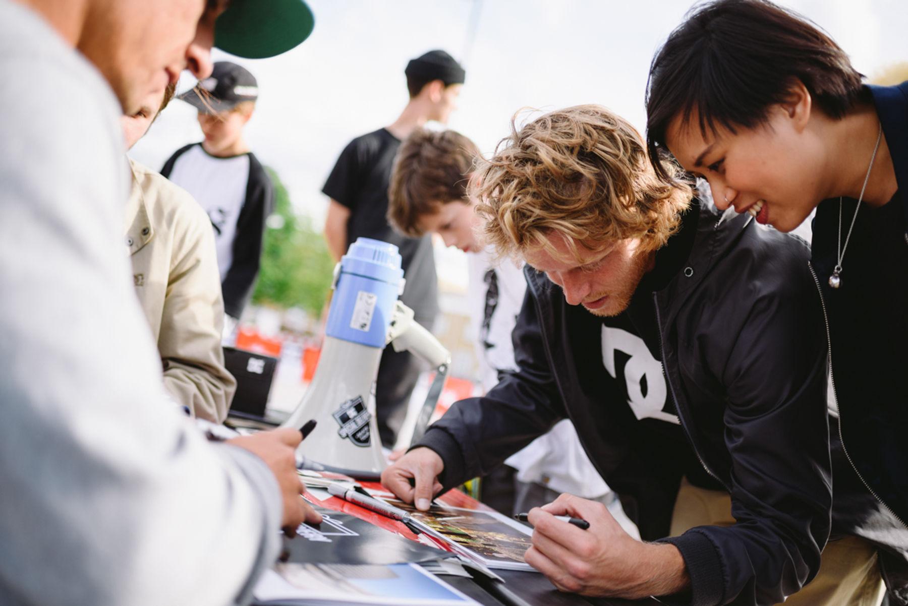 _IHC3740e-Antony-Lopez-Gosha-Konyshev-Wes-Kremer-DC-Special-Delivery-Skate-Tour-BTS-Demo-Mile-End-London-May-2015-Photographer-Maksim-Kalanep