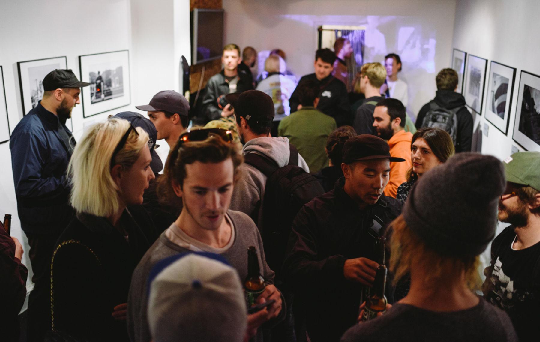 _IHC3958e-Carl-Richardson-Manny-Lopez-DC-Special-Delivery-Skate-Tour-BTS-Parlour-Defy-Convention-Exhibition-London-May-2015-Photographer-Maksim-Kalanep