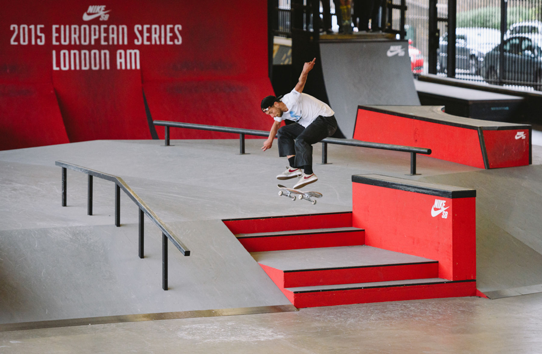 _IHC5481e-Chris-Jones-Switch-Heelflip-Nike-SB-London-AM-Day-2-June-2015-Photographer-Maksim-Kalanep