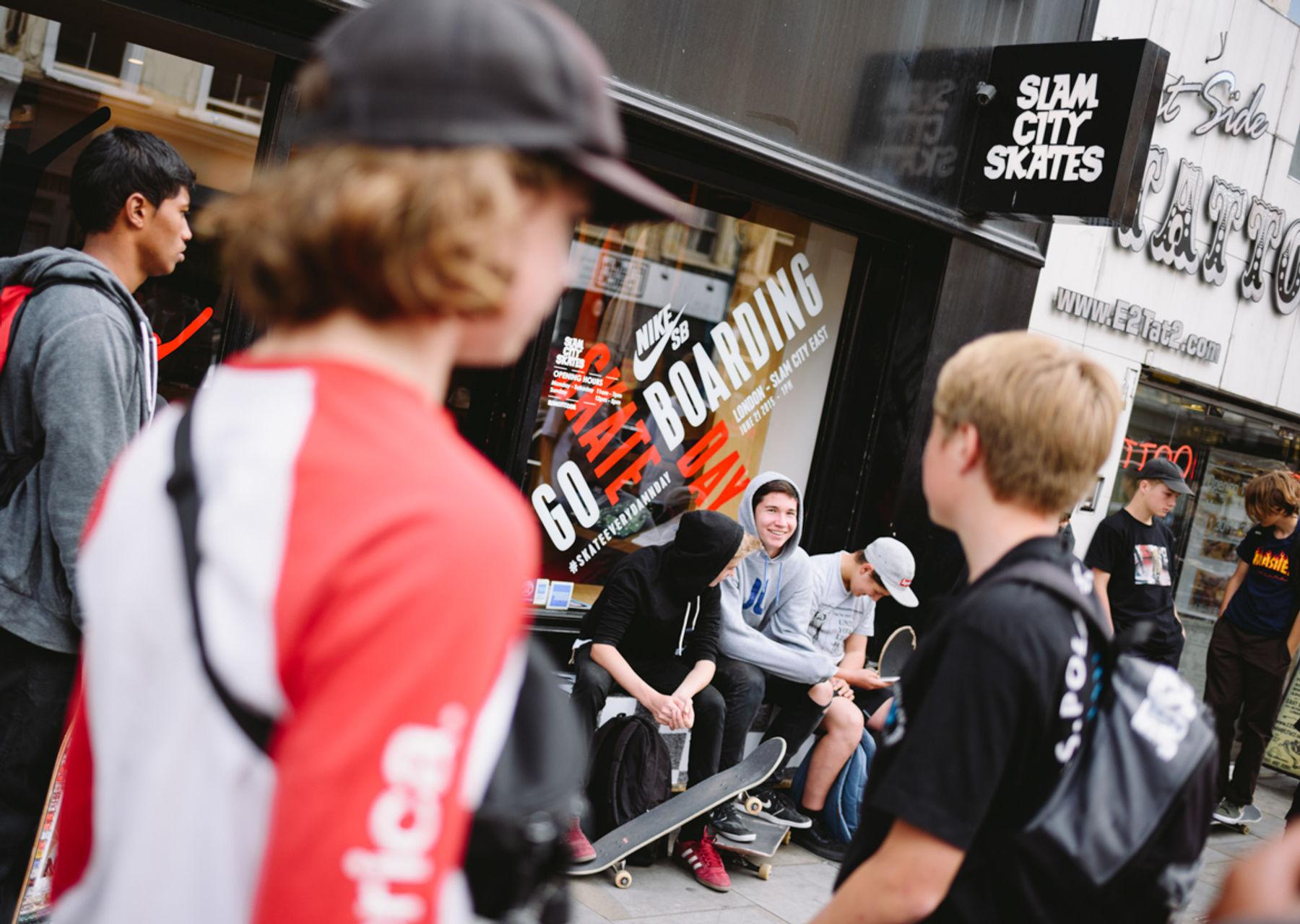 _IHC7118e-Nike-SB-x-Slam-City-Skates-Go-Skateboarding-Day-London-June-2015-Photographer-Maksim-Kalanep