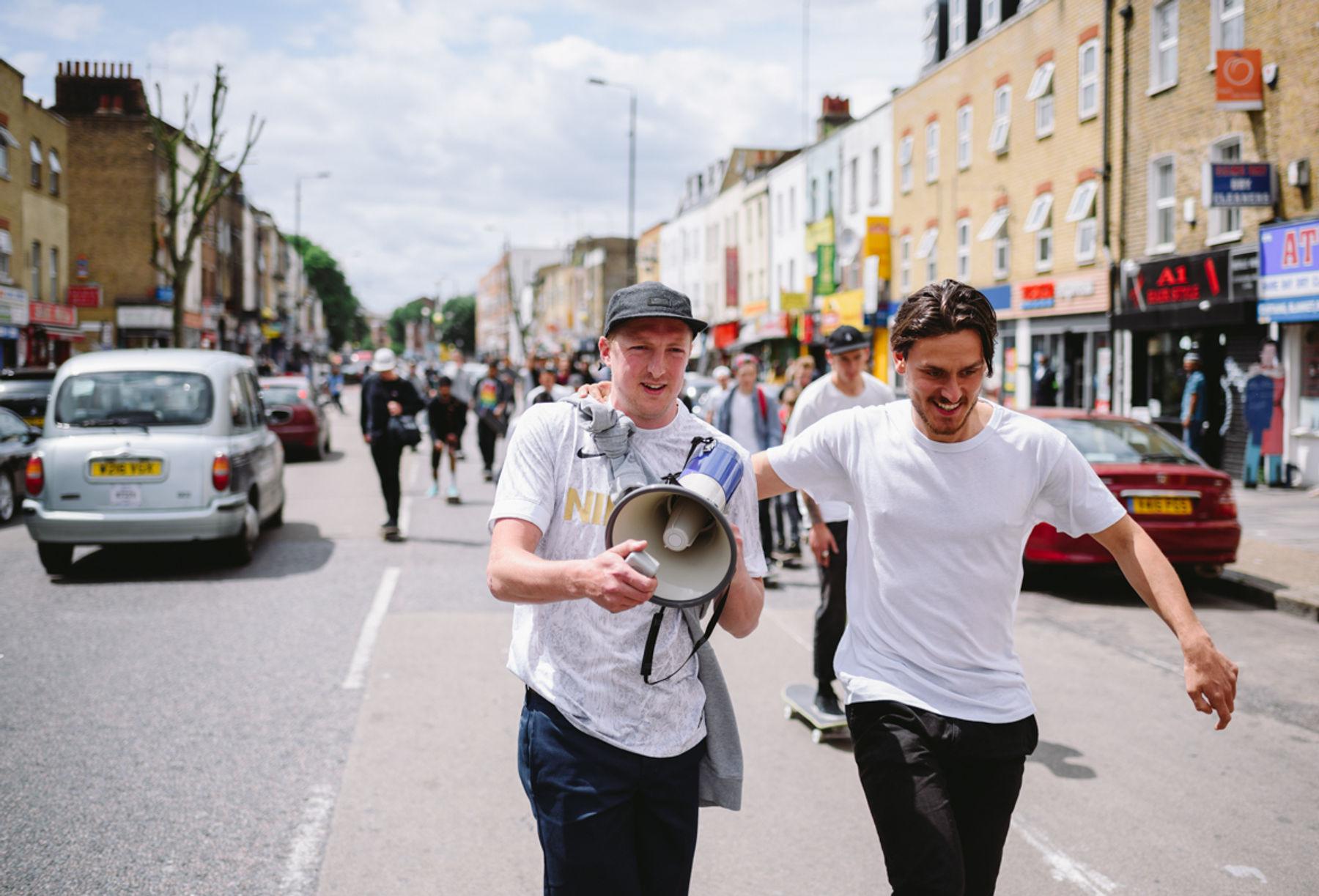 _IHC7353e-Neil-Smith-Tom-Harrison-Nike-SB-x-Slam-City-Skates-Go-Skateboarding-Day-London-June-2015-Photographer-Maksim-Kalanep
