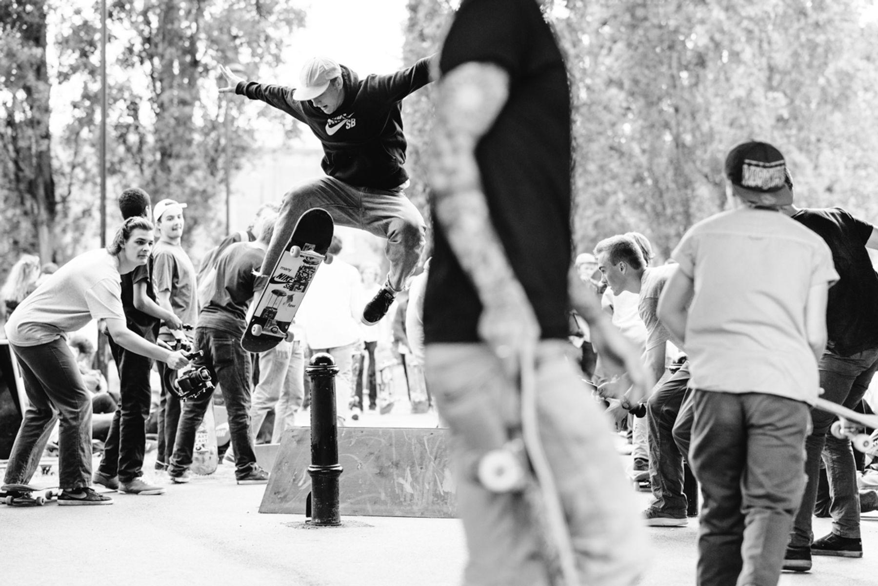 _IHC7601e-Casper-Brooker-No-Comply-Nike-SB-x-Slam-City-Skates-Go-Skateboarding-Day-London-June-2015-Photographer-Maksim-Kalanep