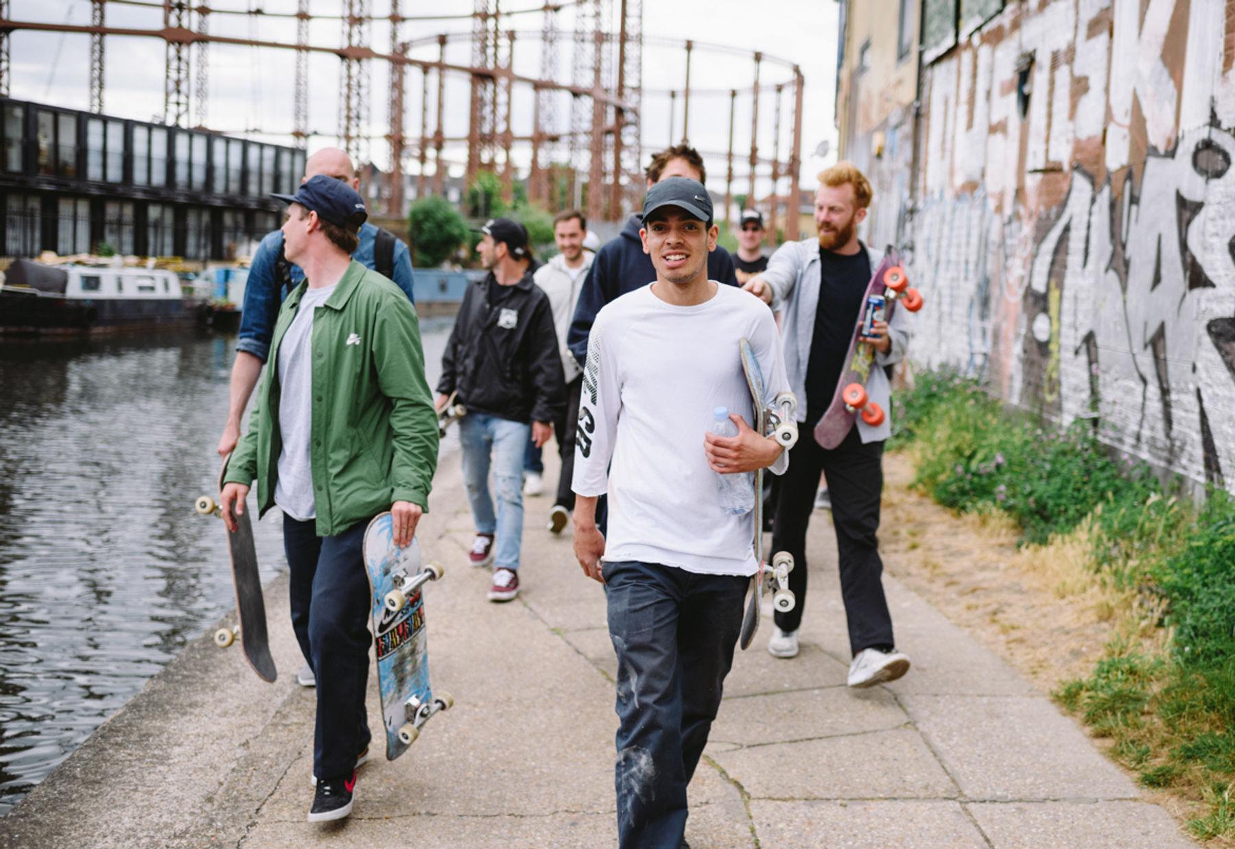 _IHC7929e-Mark-Jackson-Matthew-Hay-Kyron-Davis-Magnus-Kreiberg-Rob-Mathieson-Nike-SB-x-Slam-City-Skates-Go-Skateboarding-Day-London-June-2015-Photographer-Maksim-Kalanep