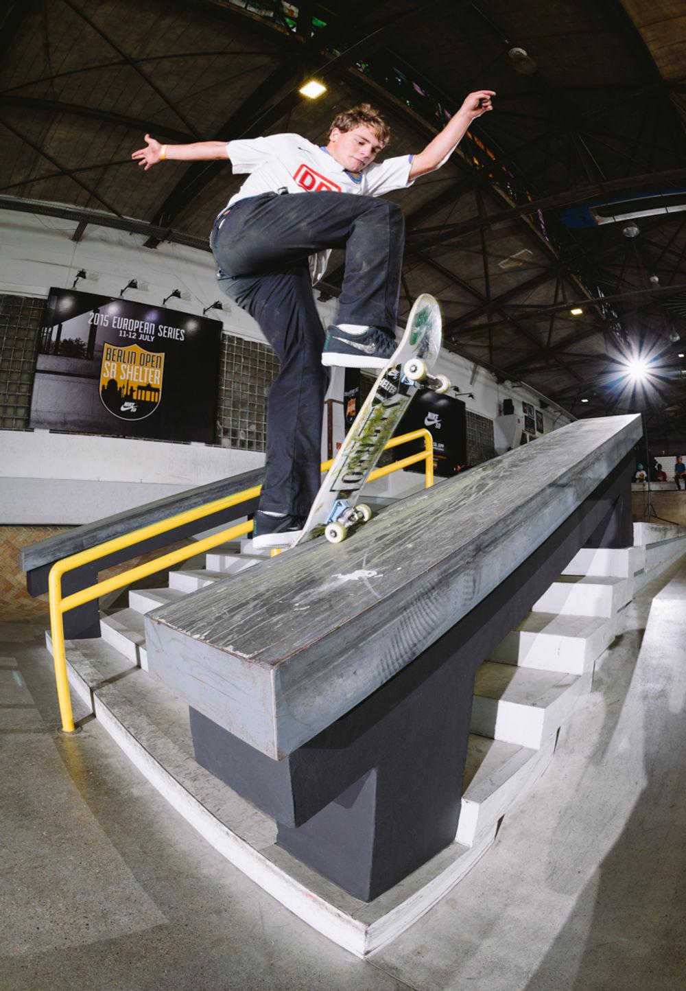 _IHC0990-Yoshi-Tanenbaum-Fs-Blunt-Nike-SB-Berlin-Open-Day-1-July-2015-Photographer-Maksim-Kalanep