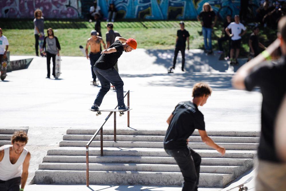 Harry-Lintell-Ollie-Over-To-Bs-Lipslide-Vans-Shop-Riot-Day-1-Madrid-September-2015-Photographer-Maksim-Kalanep