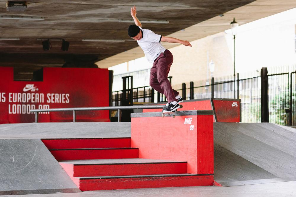 _IHC7603e-Casper-Brooker-Bs-Smith-Nike-SB-All-Court-CK-Shoe-Aloha-Wear-Test-BaySixty6-London-August-2015-Photographer-Maksim-Kalanep