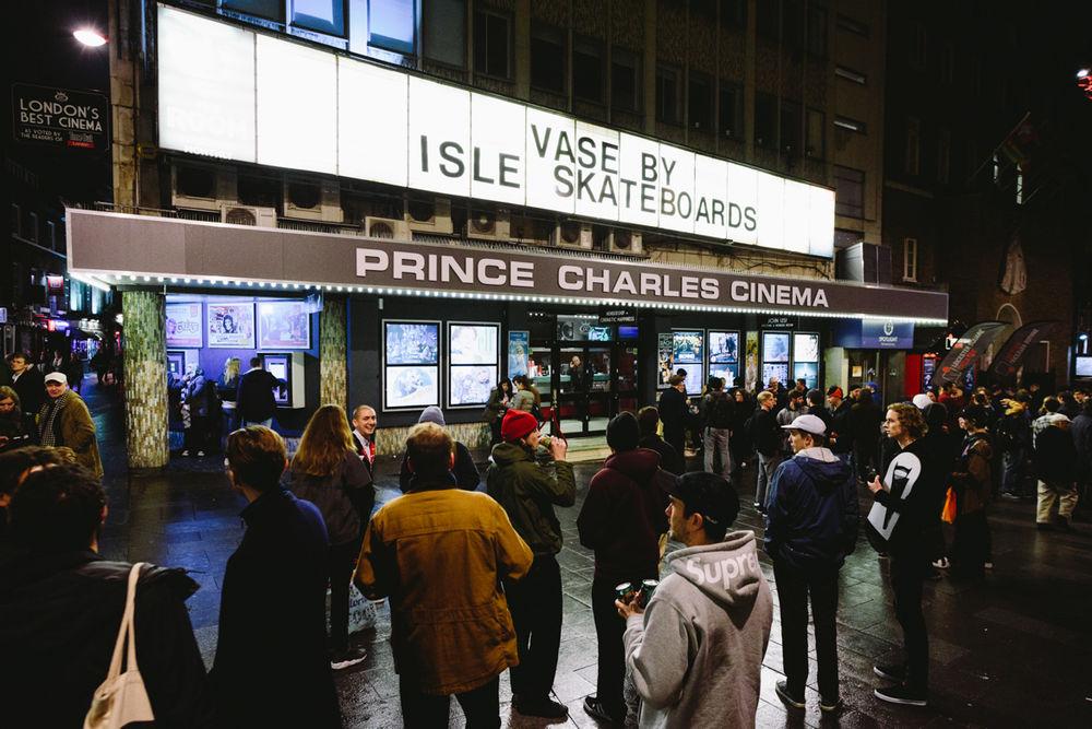 _IHC8074e-Isle-Vase-Film-Premiere-Prince-Charles-Cinema-London-November-2015-Photographer-Maksim-Kalanep