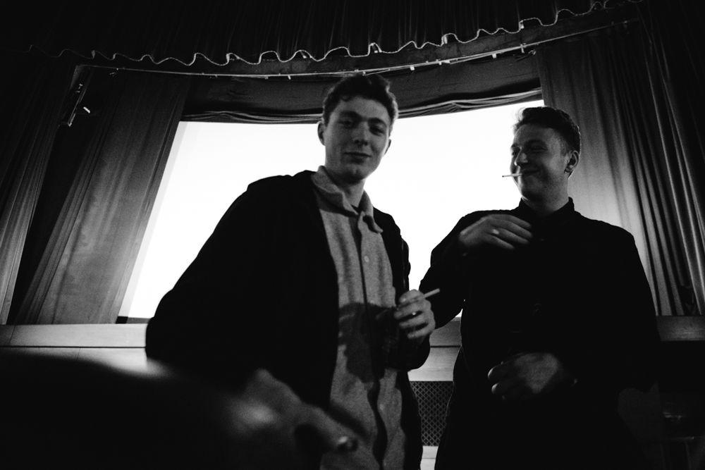 _IHC8152e-Jacob-Harris-Casper-Brooker-Isle-Vase-Film-Premiere-Prince-Charles-Cinema-London-November-2015-Photographer-Maksim-Kalanep