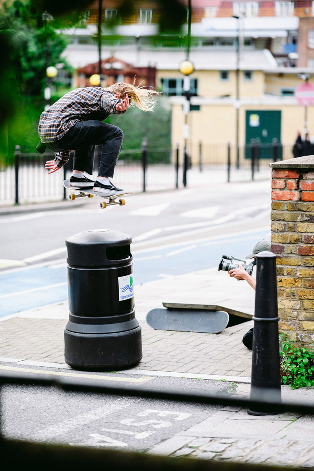 _ihc2905e-justin-biddle-bump-to-bs-180-levis-skateboarding-london-august-2017-photographer-maksim-kalanep