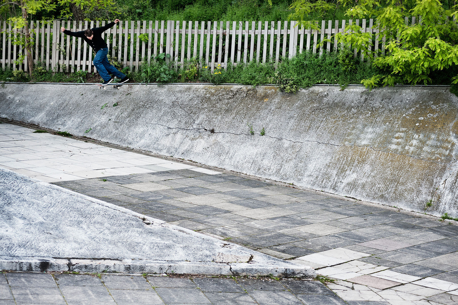 charlie_young_backside_tailslide_grey_henry_kingsford