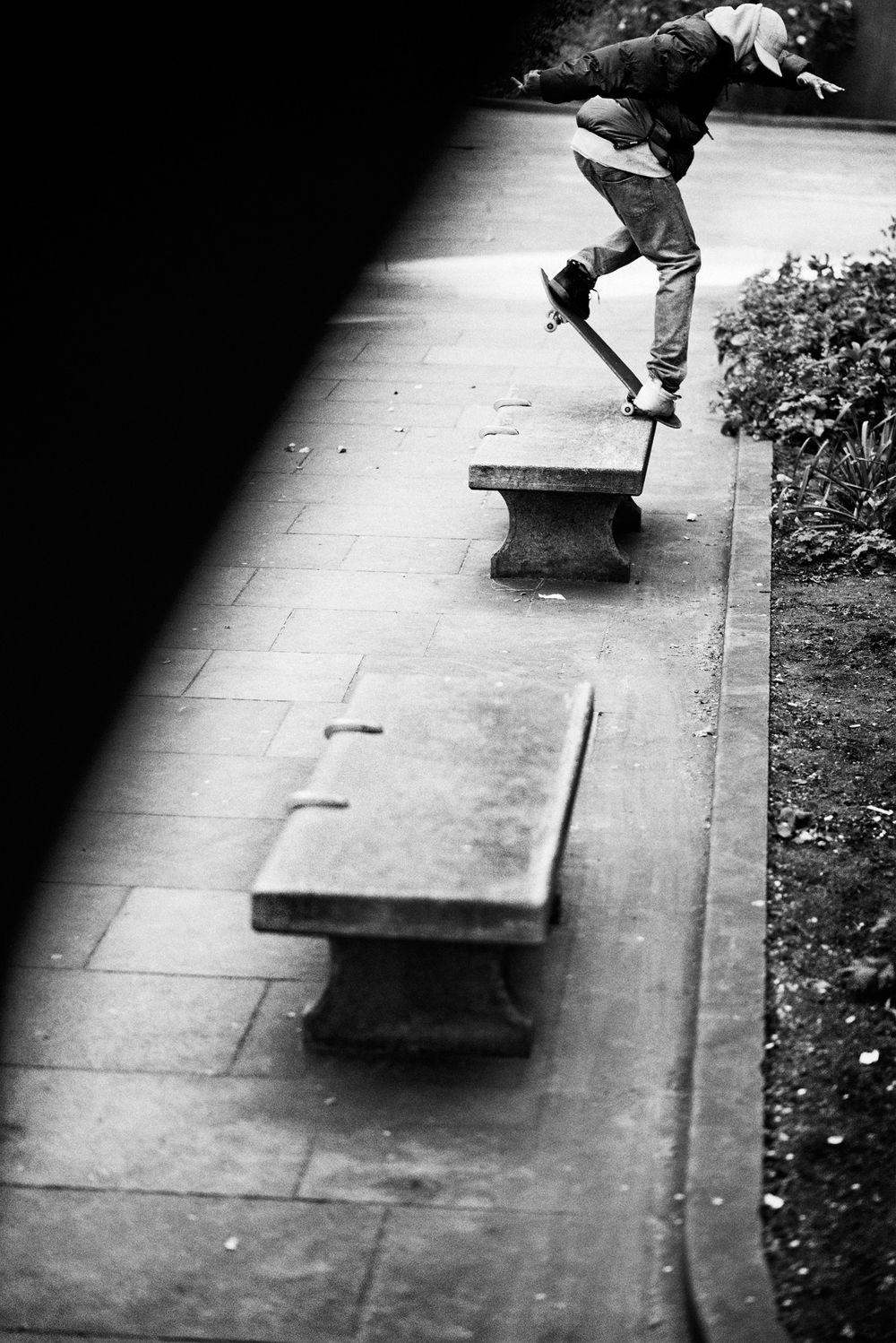 lucien_backside_noseblunt_victoria_benches_grey_henry_kingsford