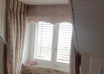 curtains_and_romans_8