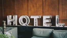Egencia launches AI-powered hotel rate cap feature