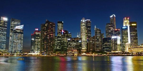 Desktop still rules online travel in Singapore