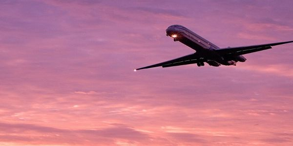 UK follows US ban on electronic devices on some flights