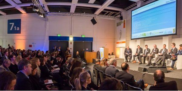 Startups, curiosity marketing, blockchain and AI