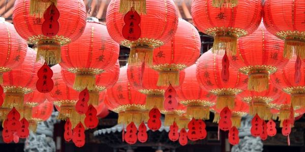 Travellers avoid US, online growth projections, huge hotel hack and more China news and trends