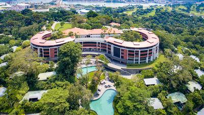 Hotel Review: Capella Singapore