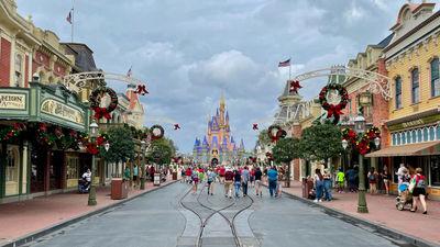 DisneyWorld_Entrance_Hero