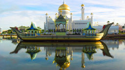 Brunei launches month-long festival to entice tourists