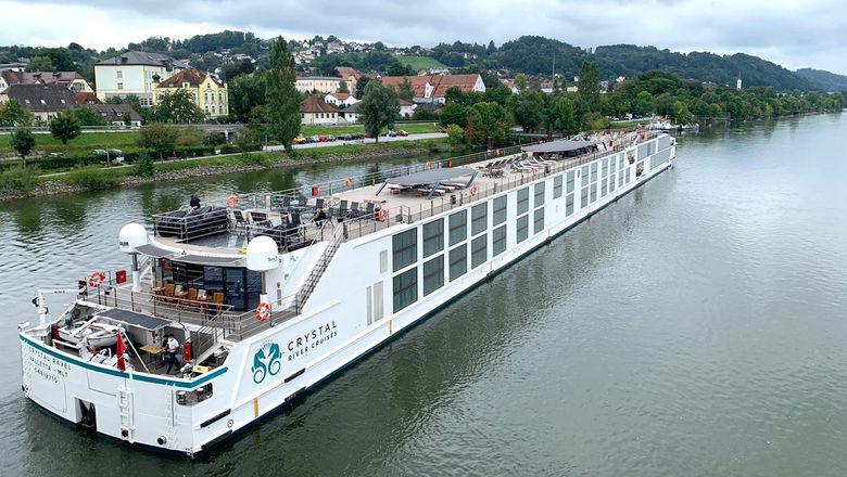 T0830CRYSTALRAVELRIVER_C_HR [credit: Crystal River Cruises]