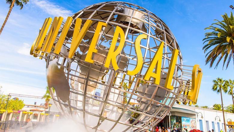 Universal Studios Hollywood globe_C