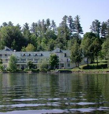 Ripplecove Lakefront Hotel & Spa
