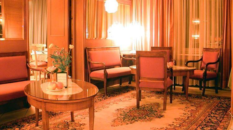 Hotel Vier Jahreszeiten Lobby