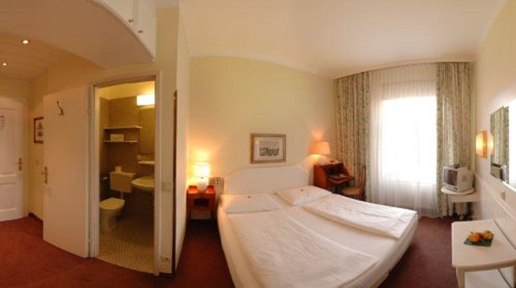 Hotel Vier Jahreszeiten Room