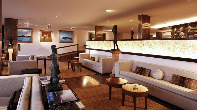 El Casco Art Hotel Lobby