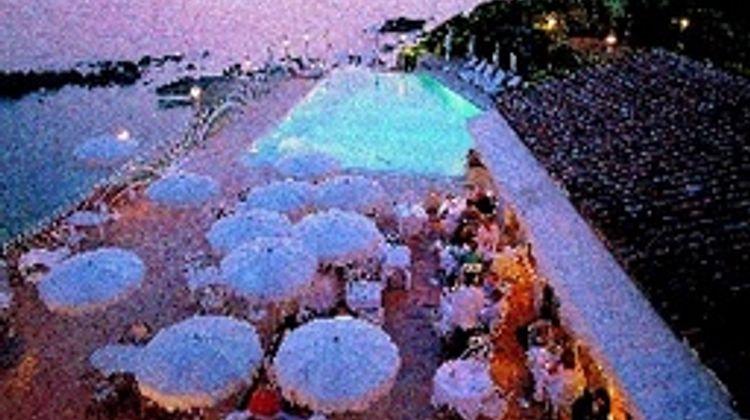 Le Maquis Pool